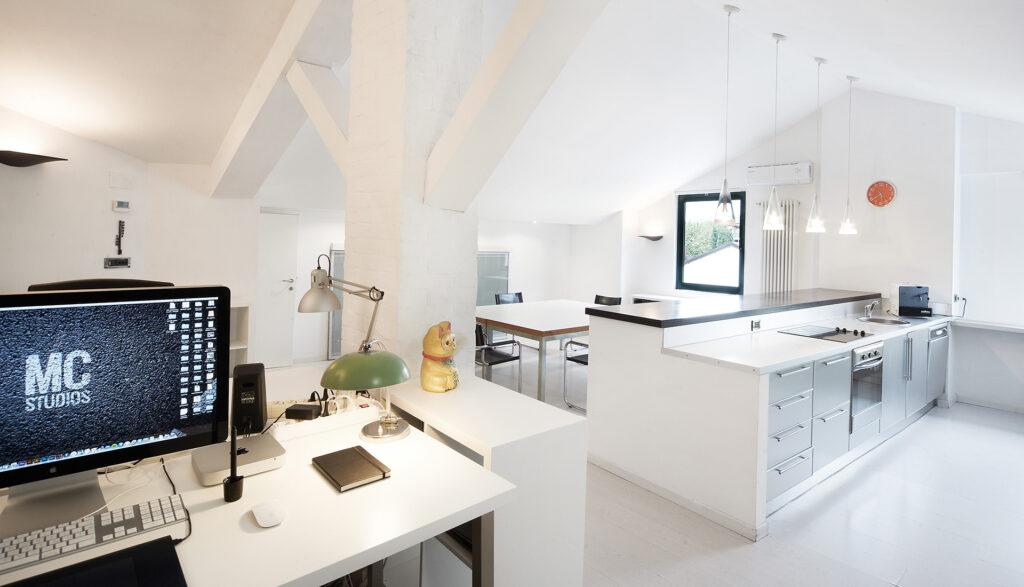 MC Studios interni uffici e cucina - Luciano Calore e Roberto Masiero